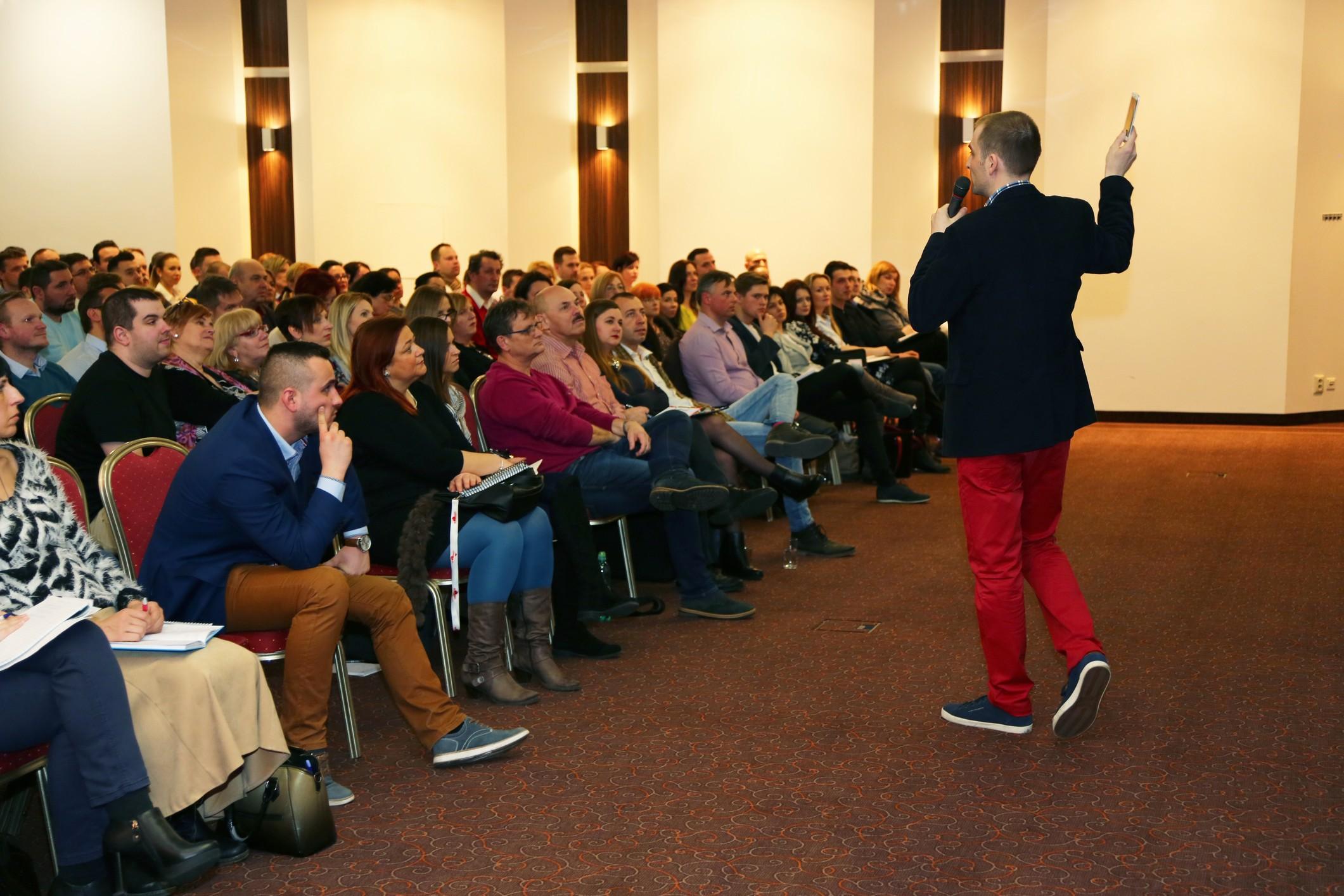 Frantisek Kozáček - vystúpenie na konferencii